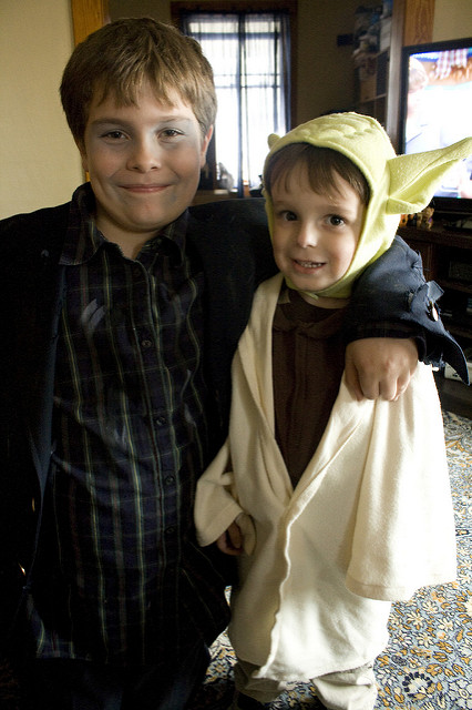 trick or treating yoda star wars