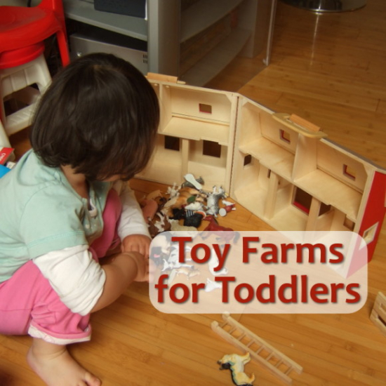 Toy farm barn play set for young kids toddlers