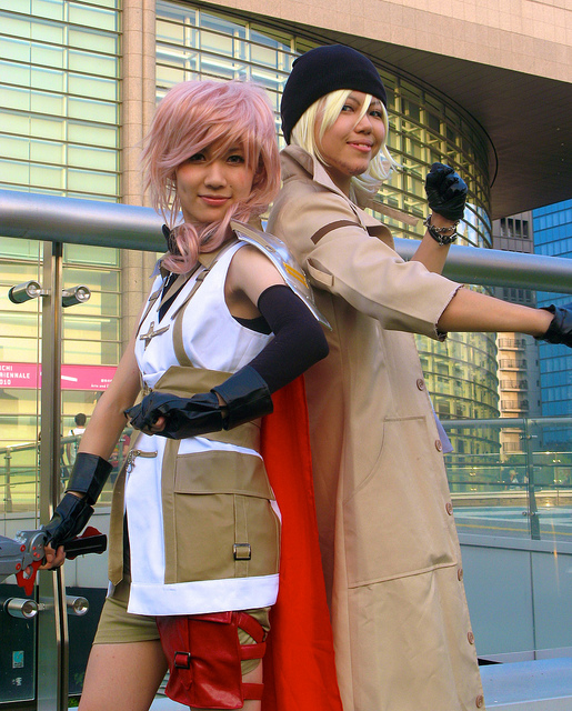 Lightning and Snow Characters FFXIII Final Fantasy 13 Cosplay Costumes