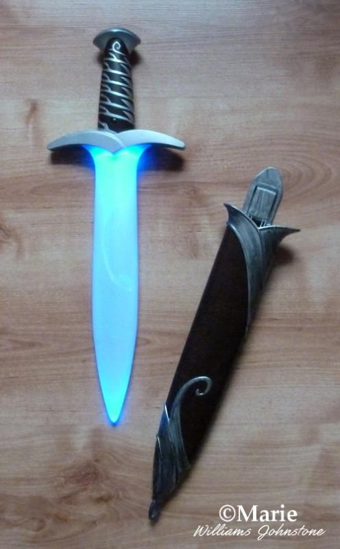 Lights and sounds hobbit sword