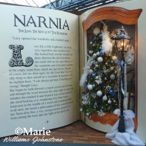 Narnia The Lion, the Witch and the Wardrobe Lamp Post