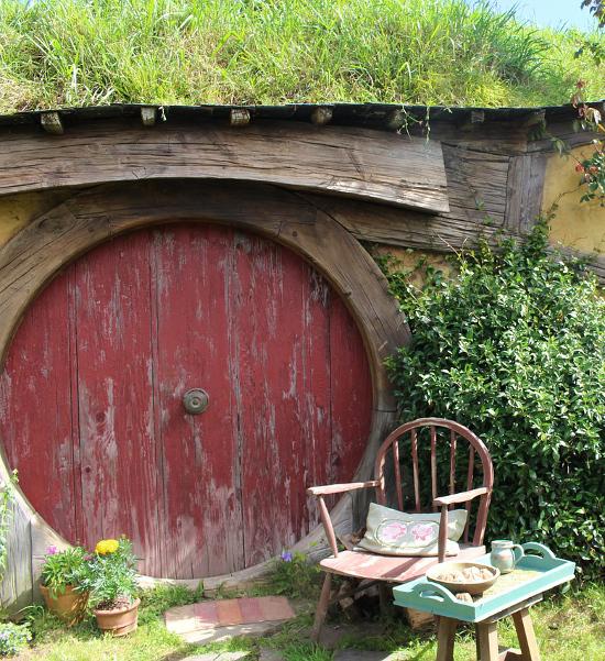 Hobbiton movie set Hobbit home New Zealand