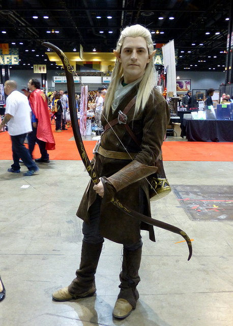 The Hobbit Desolation of Smaug Legolas costume cosplayer