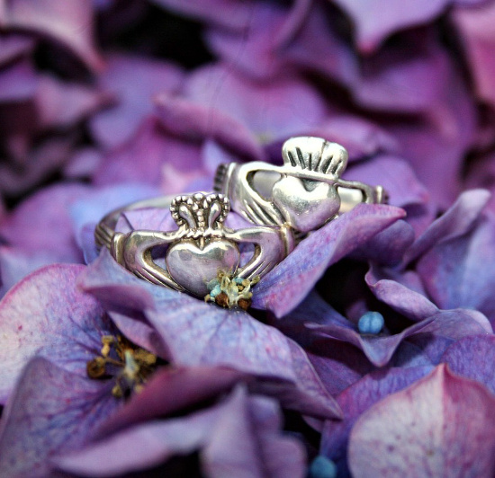 Romantic Irish Claddagh Cufflinks For Men