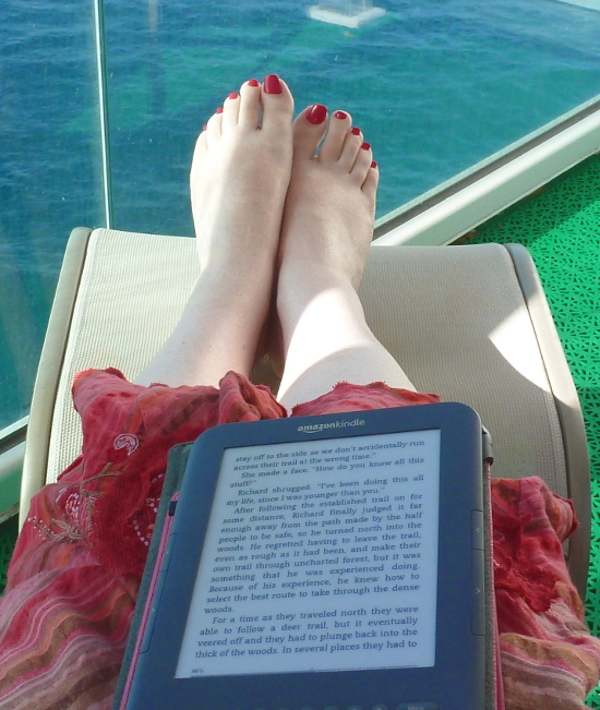 Kindle on cruise vacation with sea