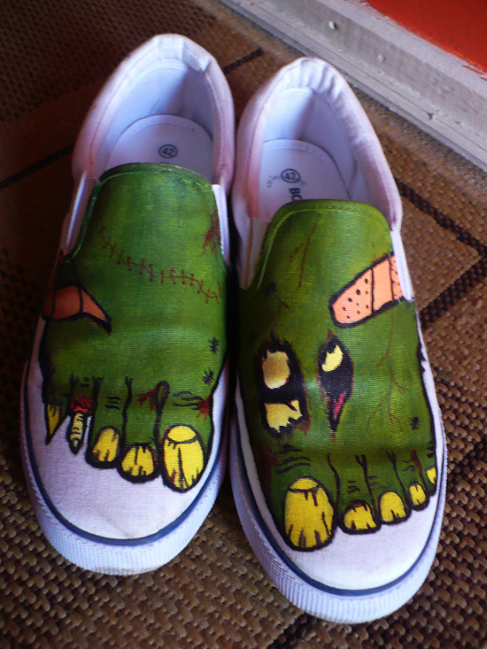 making your own zombie canvas shoes with marker pens