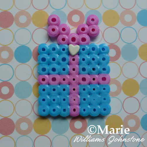 Cute pink and blue perler hama gift design small pattern instructions tutorial
