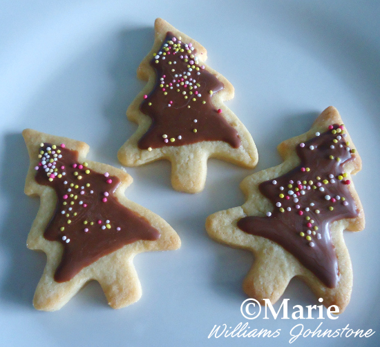 How to Make Quick and Easy Tree Cookies for Christmas DIY Recipe Last Minute Bake
