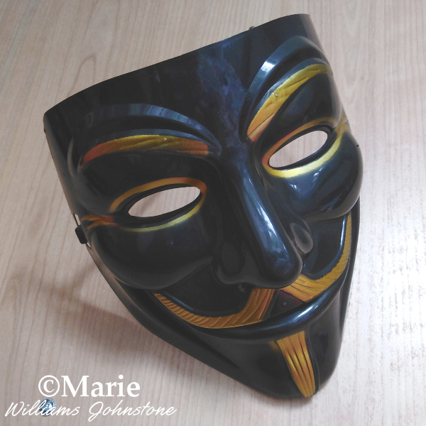 Guy Fawkes V for Vendetta mask black and gold color face costume accessory Halloween cosplay